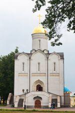 29 июня прихожане Донского храма посетили Николо-Угрешский мужской монастырь - жемчужину московских обителей, основанный в 1380 году благоверным князем Дмитрием Донским на месте явления ему Божия Чуда