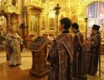 27 сентября Православная Церковь отмечает великий двунадесятый праздник Воздвижения Креста Господня, установленный в честь обретения Креста Господня, которое произошло, по церковному преданию, в 313 году на Голгофе.